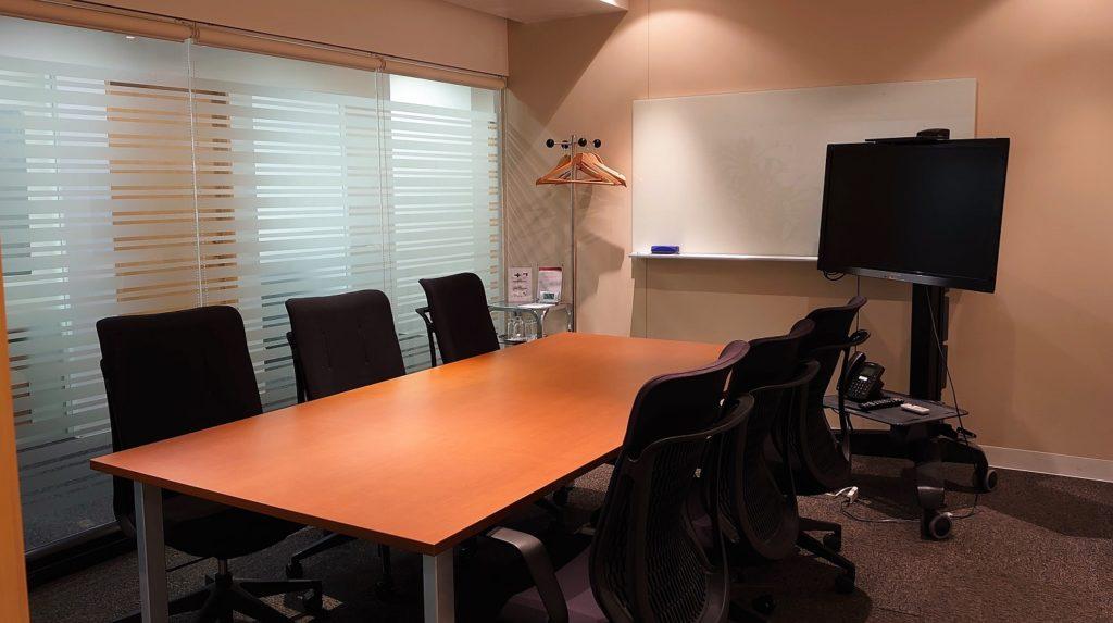 ワイズアライアンス会議室